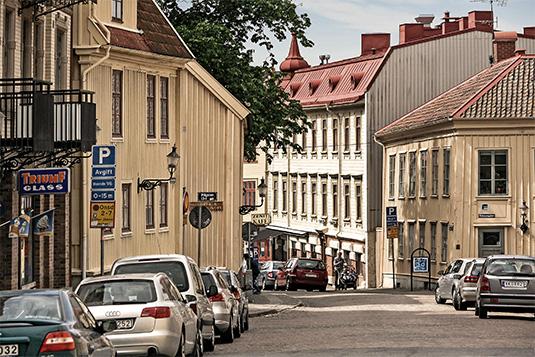 Ulla Barbro Marianne Karaveli, Karl Johansgatan 78 - Hitta